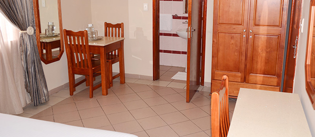 plm lodge, accommodation in umbilo, durban, self catering, bnb, bed and breakfast, luxury rooms, standard rooms, dstv, aircon